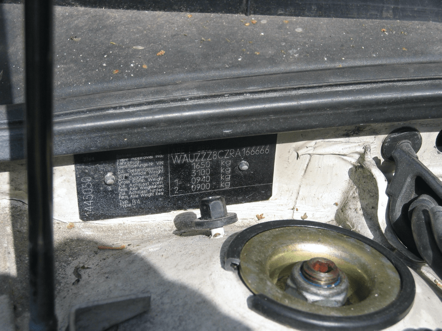 locatie chassisnummer